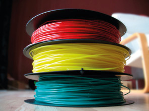Bobines de filament de PLA pour imprimantes FDM. (Source : RepRap Prescription)